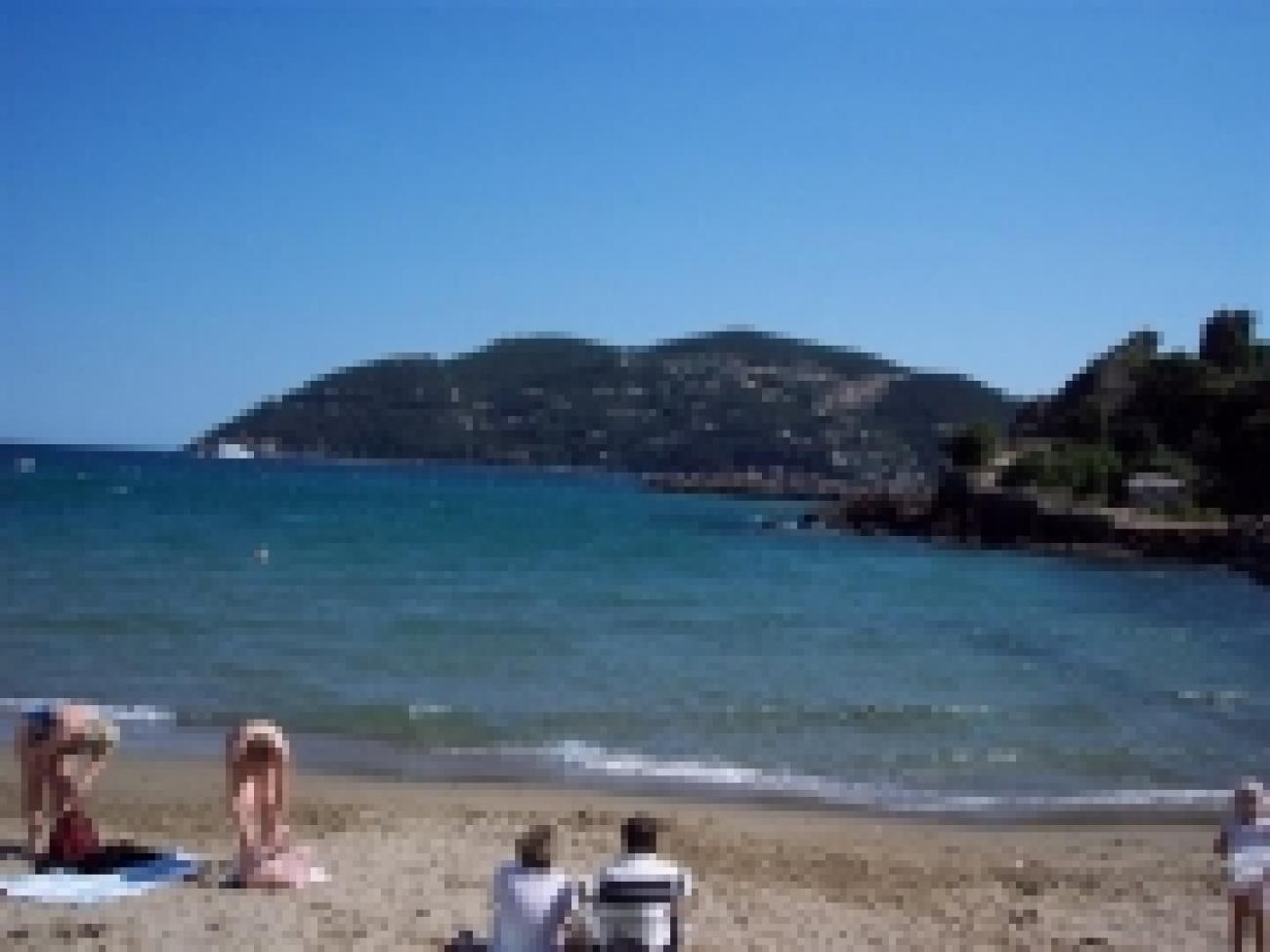 d8e_plages-autres-mers-et-plages-mandelieu-la-napoule-france-3904840351-716491[1].jpg